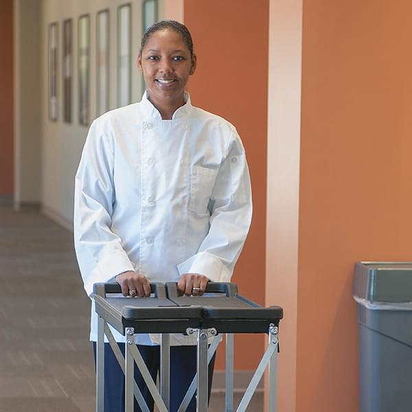 The Carlisle FoodService Fold 'N Go® Cart